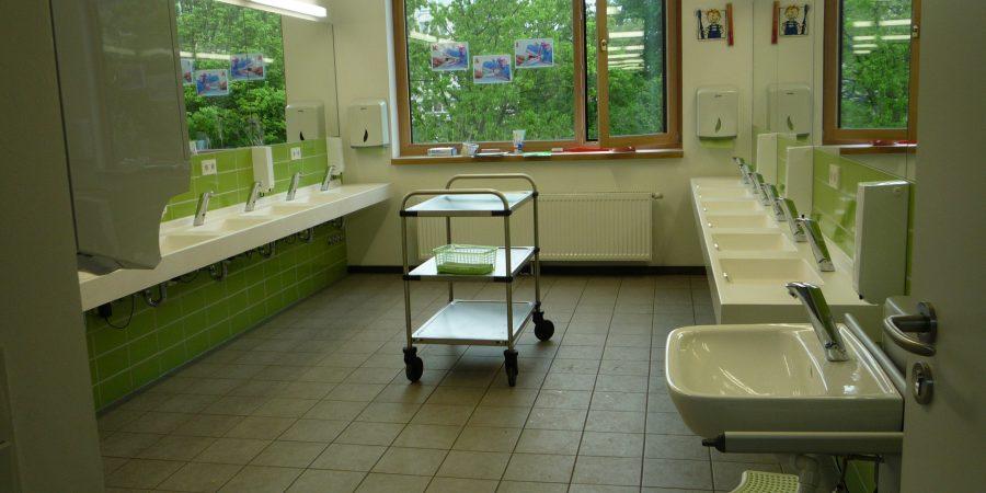 Zahnputzraum in der Hans-Christian-Andersen Schule