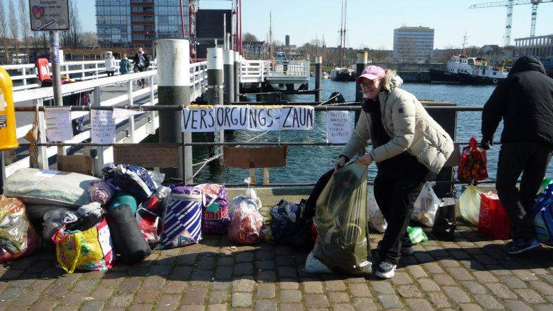 Hörnbrücke Kiel, Spenden für Obdachlose