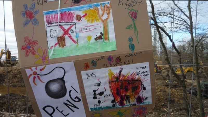 Protest gegen Möbel Höffner